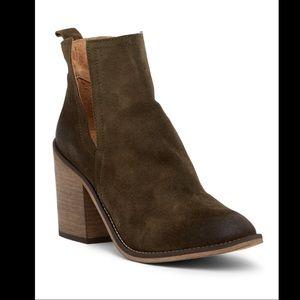REBEL▪️Zelda Ankle Bootie. Sz 39. Khaki Green